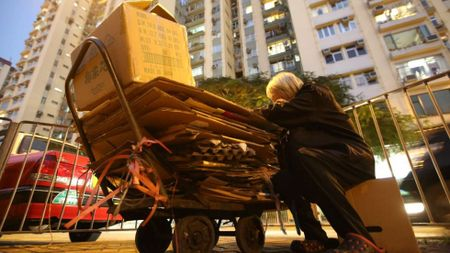 Goc toi dang sau ve hao nhoang tai thanh pho cua gioi sieu giau - Hong Kong - Anh 3
