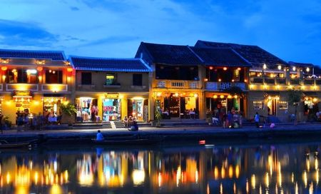 Hoi An lot top 15 thanh pho tuyet voi nhat the gioi - Anh 1