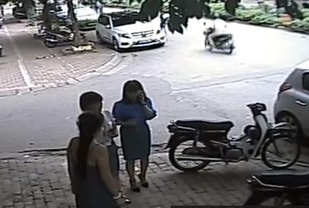 Pho chu tich quan Thanh Xuan: 'Thong tin tren mang co tinh beu xau ca nhan toi' - Anh 2
