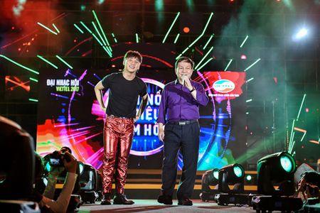 Pho TGD Viettel duoc khen khi song ca cung Son Tung M-TP - Anh 2