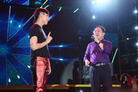 Pho TGD Viettel duoc khen khi song ca cung Son Tung M-TP - Anh 3