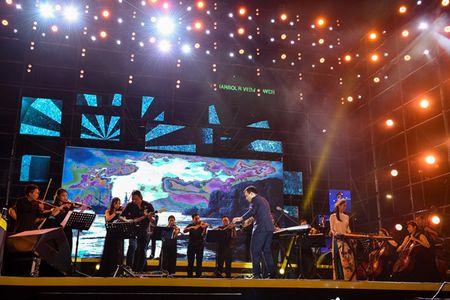 Pho TGD Viettel duoc khen khi song ca cung Son Tung M-TP - Anh 8