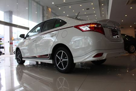 Can canh Toyota Vios TRD phong cach the thao - Anh 10