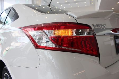 Can canh Toyota Vios TRD phong cach the thao - Anh 12