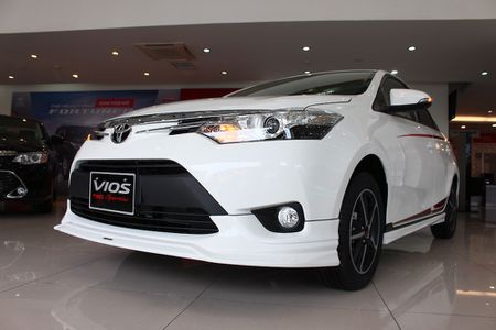 Can canh Toyota Vios TRD phong cach the thao - Anh 2