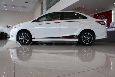Can canh Toyota Vios TRD phong cach the thao - Anh 8
