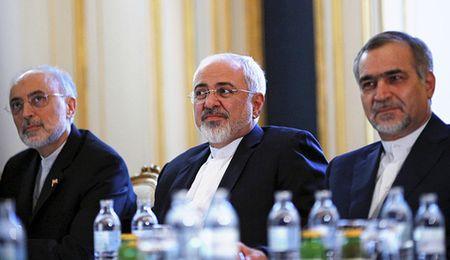 Iran tuyen an cong dan My lam gian diep, em trai tong thong Iran bi bat - Anh 1