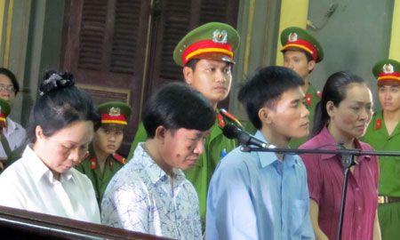 Hai hung voi nhung man trut gian cua vo cu len chong o Viet Nam - Anh 2