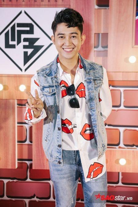 Dong Nhi tat bat cham 'ga cung' Lip B ra MV truoc khi chay show 'met nghi' - Anh 5