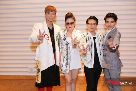 Soobin Hoang Son, Huong Tram ngau hung hat dan ca 'ngot nhu mia lui' tai hop bao The Voice Kids 2017 - Anh 3
