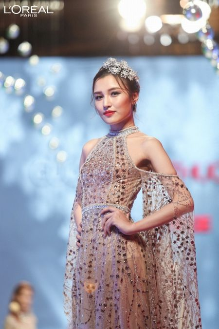 Can canh top 8 The Face dep ngat ngay trong thu thach catwalk tren ban tiec - Anh 8