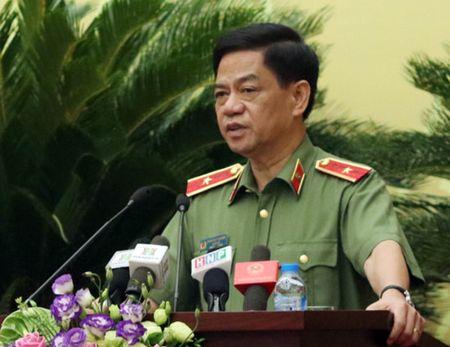 Giam doc CA Ha Noi: Van dang dieu tra vu viec lien quan vi pham xay dung cua chung cu 'ong Than' - Anh 1
