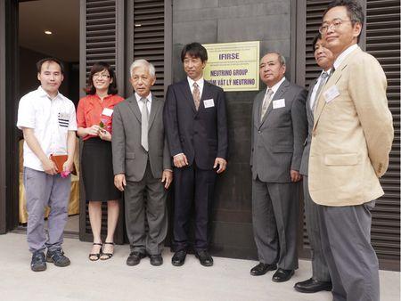 Bon giao su Nhat Ban tham gia nhom Vat ly Neutrino Viet Nam - Anh 1