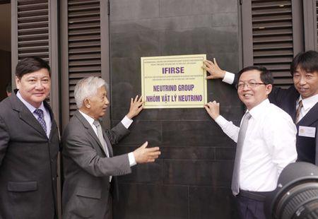 Bon giao su Nhat Ban tham gia nhom Vat ly Neutrino Viet Nam - Anh 3
