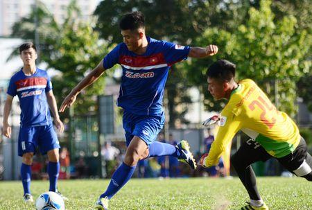HLV Huu Thang chua dam mao hiem tin dung nhieu cau thu U20 - Anh 1