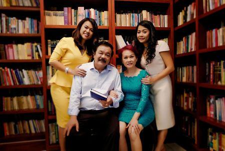 Nguoi dan ba thep-quyen luc mem phia sau ong chu Tan Hiep Phat - Anh 1