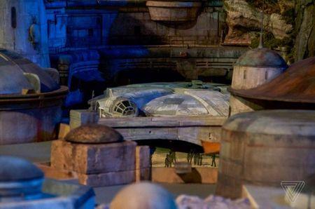 Disney mang 'Chien tranh giua cac vi sao' ve trai dat - Anh 5