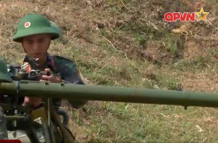 Dang ne sung chong tang SPG-9 do Viet Nam san xuat - Anh 2