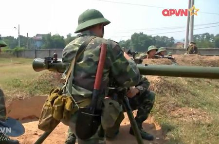 Dang ne sung chong tang SPG-9 do Viet Nam san xuat - Anh 7