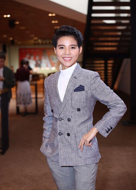 Hot Face sao Viet 24h: Elly Tran hoa Hang Nga goi cam - Anh 5