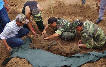 Tim thay hai cot 21 liet si hy sinh trong tran danh An Dien tai Binh Duong - Anh 2