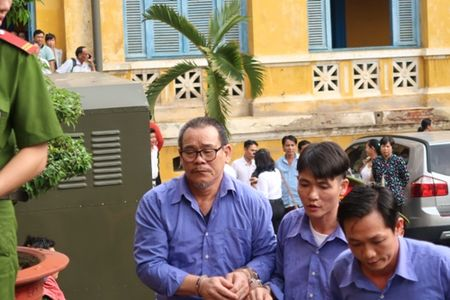 Dang xu vu dan em Nam Cam truy sat nguoi o benh vien - Anh 2