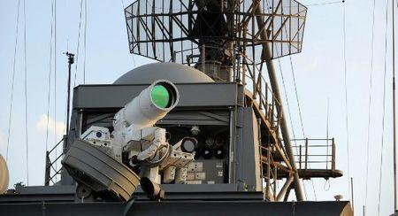 My thu vu khi laser nhanh gap 50.000 lan ICBM - Anh 1