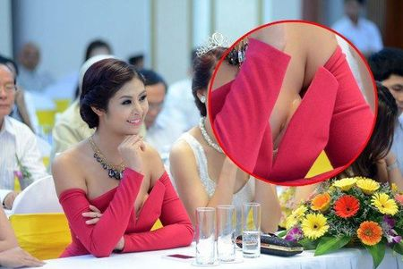 'Do mat' voi Hoa hau Do My Linh va Hoa hau Ngoc Han de lo mieng dan nguc vi do goi cam - Anh 8