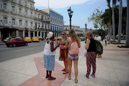 My that chat quy dinh, kinh te Cuba khong bi 'soc' ma con tang truong - Anh 4