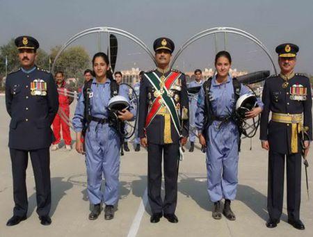 Ve dep cuon hut say long nguoi cua nu binh si Pakistan - Anh 10