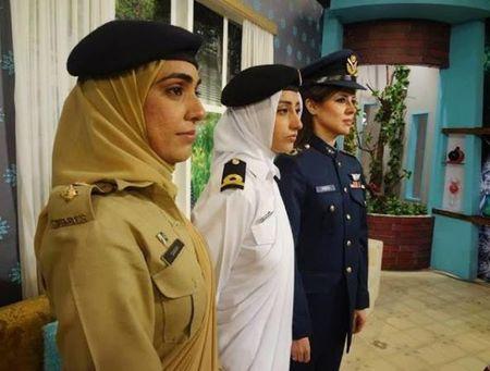 Ve dep cuon hut say long nguoi cua nu binh si Pakistan - Anh 11