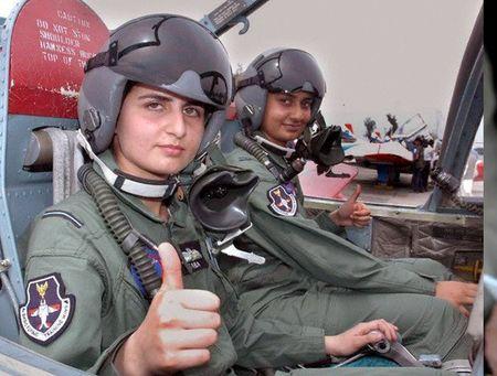 Ve dep cuon hut say long nguoi cua nu binh si Pakistan - Anh 13