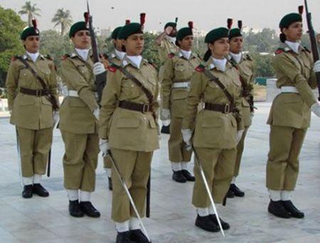 Ve dep cuon hut say long nguoi cua nu binh si Pakistan - Anh 8