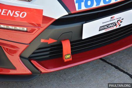 Ngam sedan gia dinh Toyota Vios hoa than thanh xe dua - Anh 14