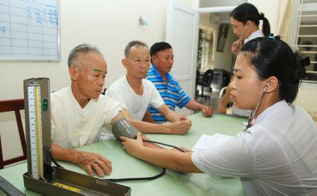 De xuat mo rong doi tuong nguoi co cong - Anh 1