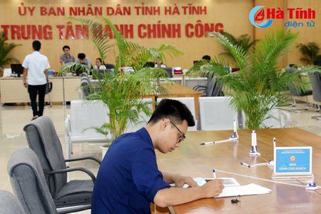 Trung tam Hanh chinh cong Ha Tinh tiep nhan 511 ho so, thu tuc cua cong dan - Anh 2