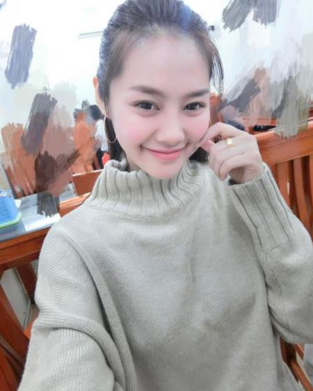 Sau thoi gian lang mat tam, Linh Chi gay soc voi khuon mat khac la - Anh 4