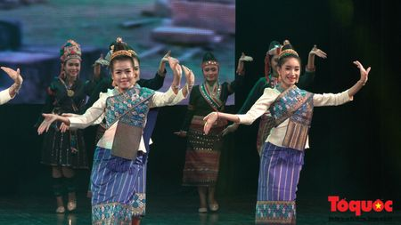 Tham tinh huu nghi trong Ngay hoi Van hoa, Du lich Lao tai Viet Nam - Anh 3