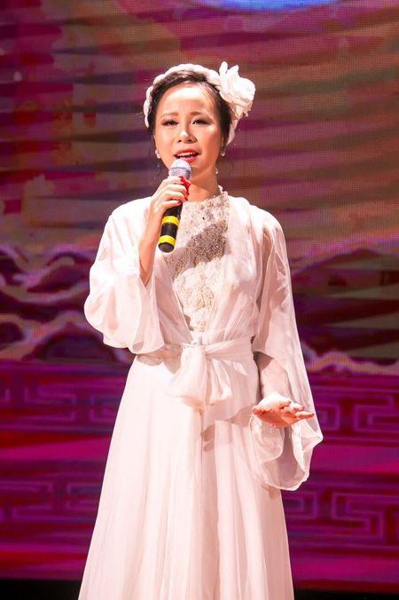 Sao Mai Hong Duyen 'thoi' acoustic, jazz vao dan ca - Anh 3