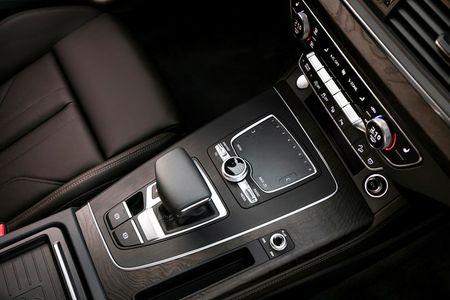 Mau SUV hoan toan moi cua Audi co gia hon 2 ty dong - Anh 9