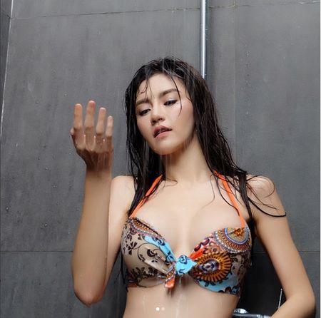 My nhan Thai nhan an phat vi mac thieu vai lai tung clip gay sot - Anh 25