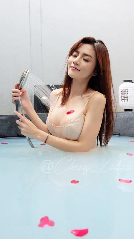 My nhan Thai nhan an phat vi mac thieu vai lai tung clip gay sot - Anh 5