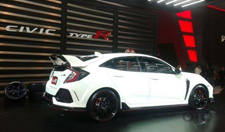 Honda Civic Type R gia tu 1,69 ty dong o Dong Nam A - Anh 4