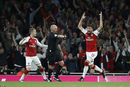 Arsenal 4-3 Leicester City: Mua ban thang, ngap cam xuc - Anh 1
