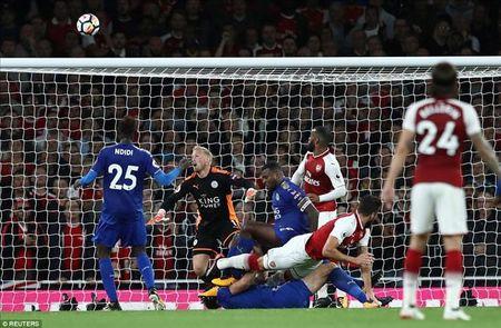 Arsenal 4-3 Leicester City: Mua ban thang, ngap cam xuc - Anh 5