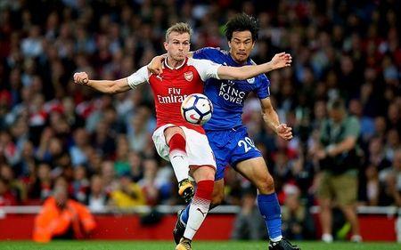 Cham diem Arsenal: 'Dau vang' Giroud cuu vot hang thu tham hoa - Anh 1