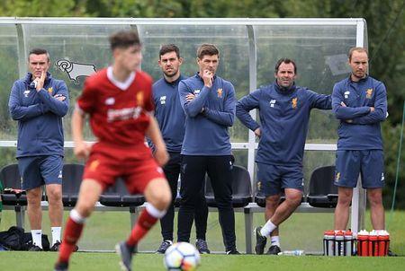 Lan dau 'dung lop' cua Steven Gerrard tai Liverpool - Anh 1