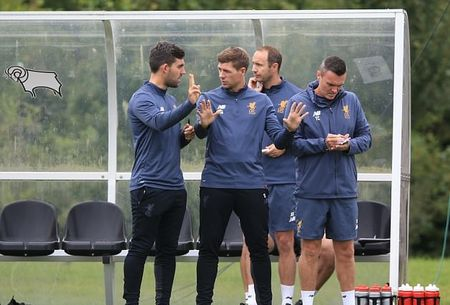 Lan dau 'dung lop' cua Steven Gerrard tai Liverpool - Anh 3