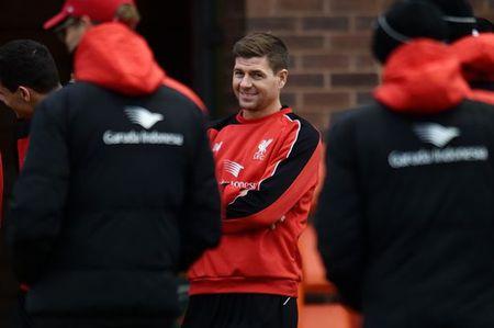 Lan dau 'dung lop' cua Steven Gerrard tai Liverpool - Anh 8