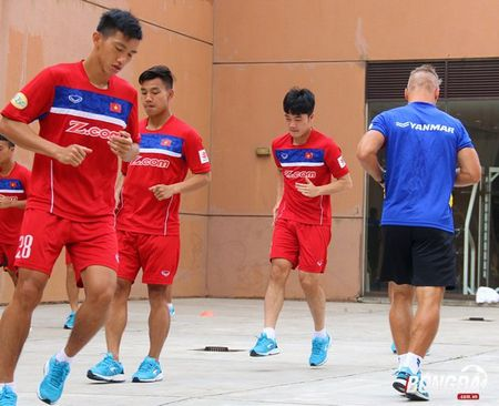 U22 Viet Nam can doi cac bai tap truoc SEA Games 29 - Anh 5